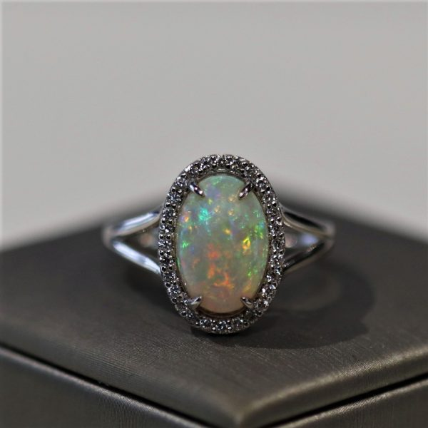 14K Gold Solid Opal & Diamonds Ring