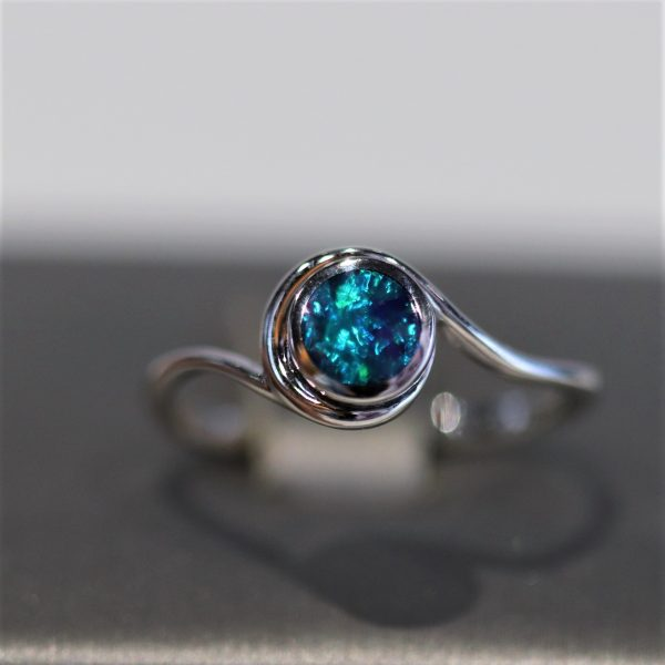 9k White Gold Round Doublet Opal Ring