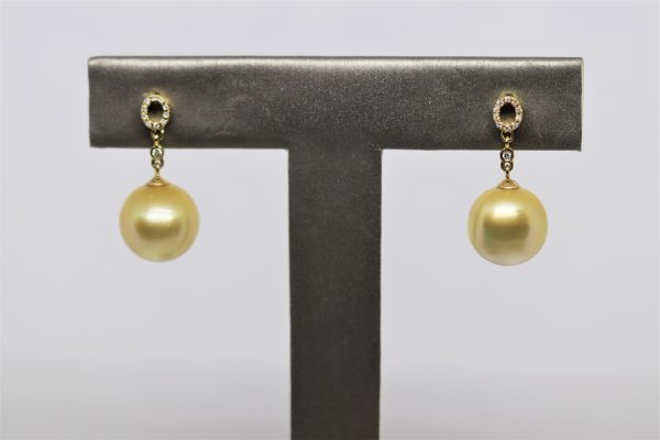 18K Yellow Gold South Sea Pearl & Diamonds Earrings