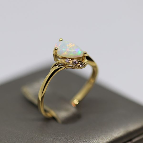 18K Yellow Gold Multicolor Oval Drop Solid Opal & Diamonds Ring
