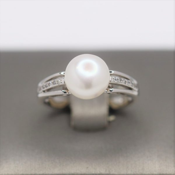Freshwater Pearl & CZ Silver Cathedral Ring